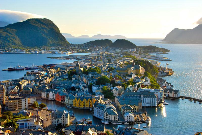 Работа для девушек норвегия девушка на работе прикольные